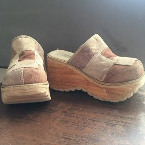 Old school Suede Soda Clogs